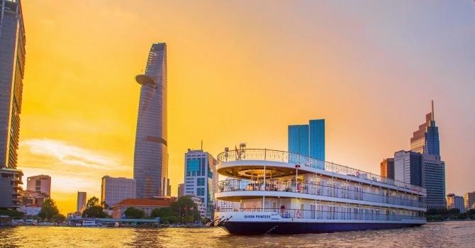 Kết quả hình ảnh cho đi thuyền trên sông sài gòn