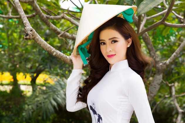 Kết quả hình ảnh cho Traditional costumes in Vietnamese culture