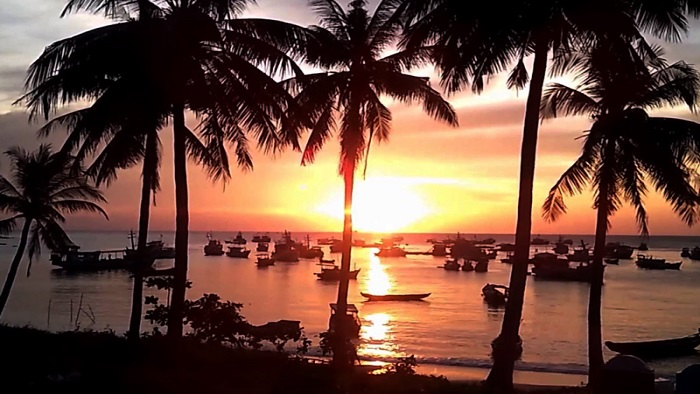 Watching the sunset at Phu Quoc